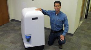 Dean Kamen & Slingshot water purification machine. Photo: www.coca-colacompany.com